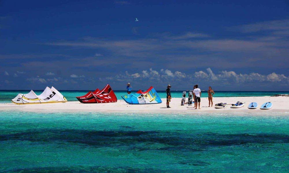 kitesurfing kite gear port douglas kite shop great barrier reef tours